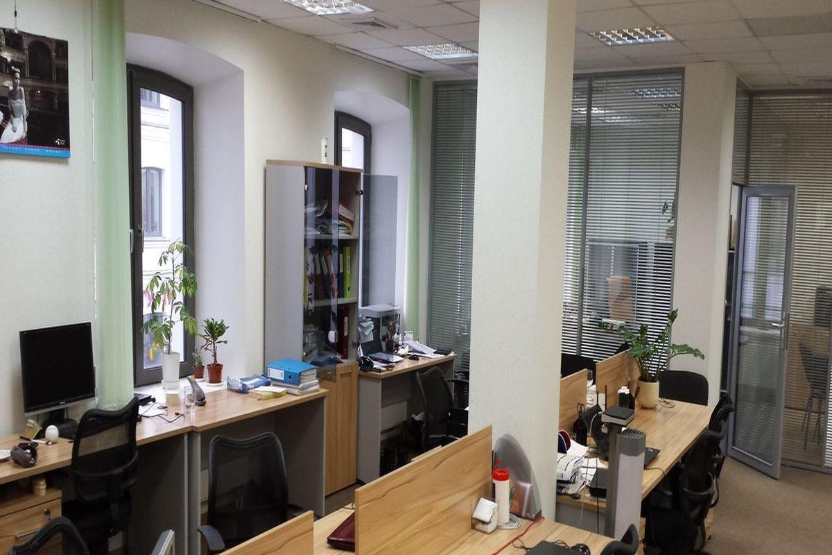 office-1592-m2